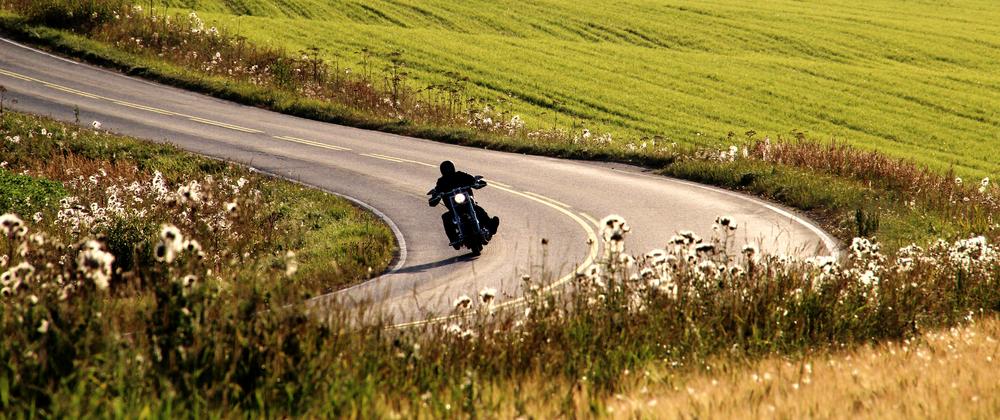 motorcycling_308585162
